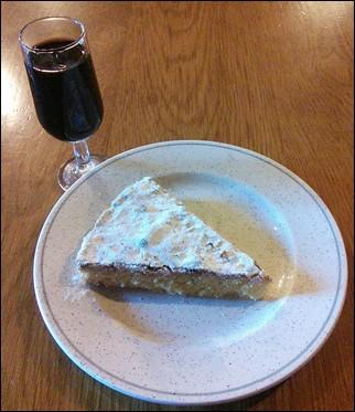 Jerez y tarta de Santiago – O Cebreiro