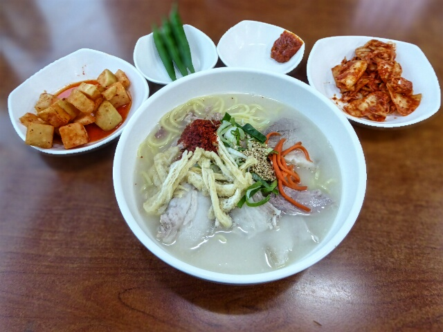 Noodle Street - Black Pork Ramen, distinctive taste of Jeju pork & the best kimchi