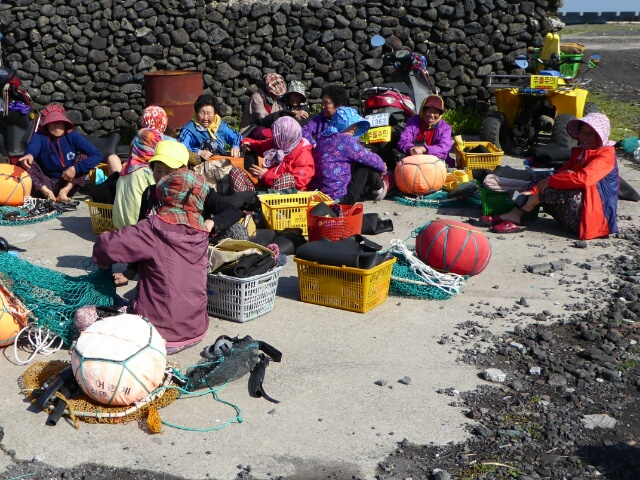 We were lucky to see the legendary lady divers of Jeju preparing to go to sea