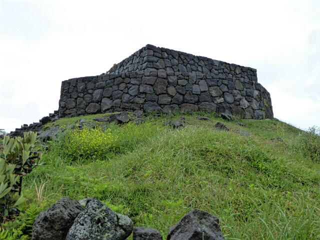 Smoke mounds were a communication network across the Island