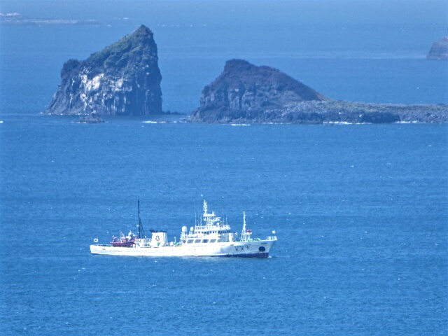 Fishing vessel returning