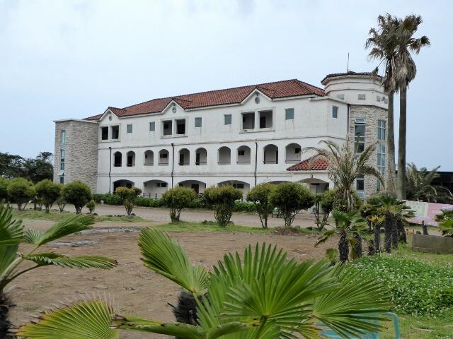 Lasania Resort, halfway along stage 3