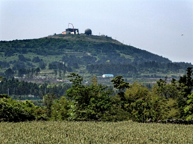 We are going to climb Moseul-bong (military radar on top)