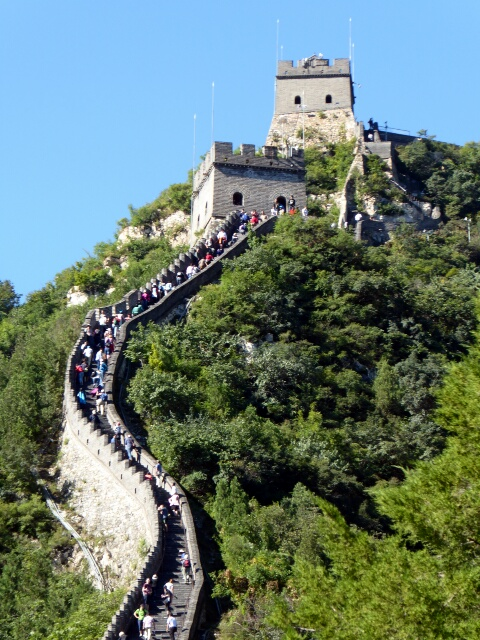 Perfect weather and a lot of people on the Great Wall ...