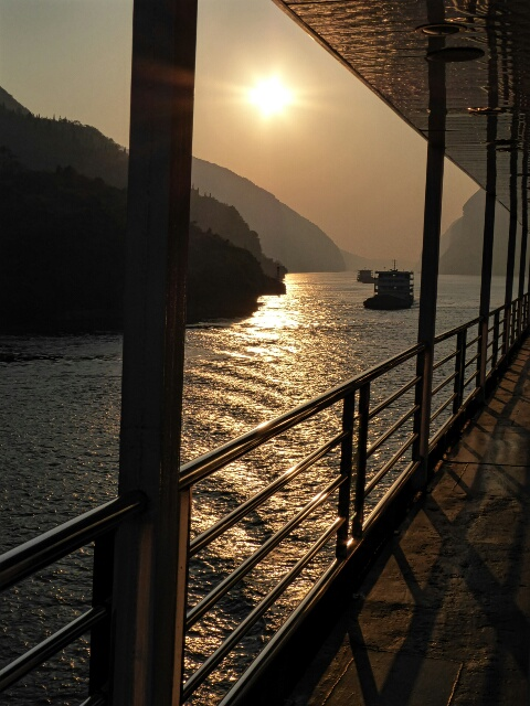 Dawn on the Yangtze River