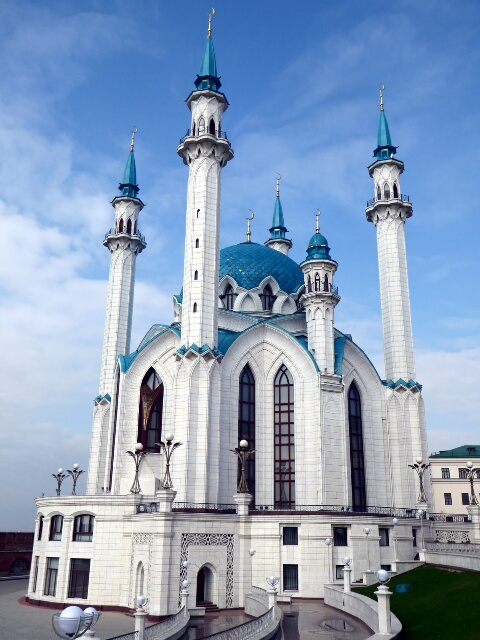The Kremlin's Kul Sharif Mosque, the biggest in Europe, opened in 2005