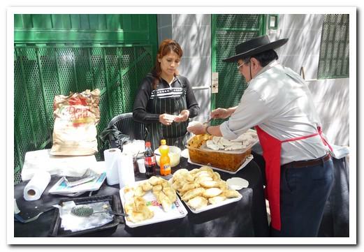 La Feria de Mataderos - making empanadas