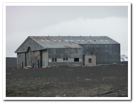 Hanger at Whaler´s Bay