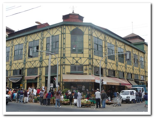 The farmers´s market is the oldest in Chile