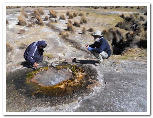 Boiling eggs in a geyser at 4400 metres