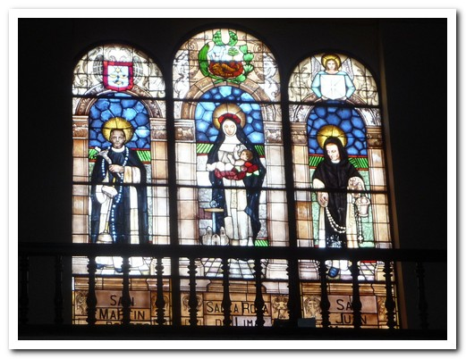 Stained glass windows with Lima´s Saints